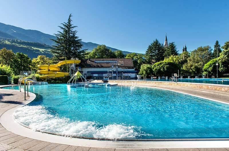Acquarena la piscina a bressanone in alto adige - Piscina bressanone prezzi ...
